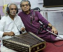 Pdt Tarun Bhattacharya records for Sandipa Ray's forthcoming Felu...