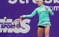 Stosur's title defence off to perfect start