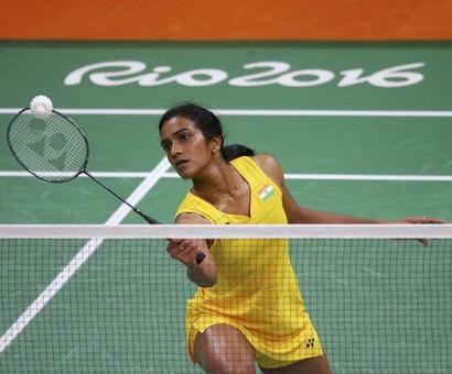 Saina, Sindhu win opening matches easily at Rio Games