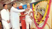 Tipu Jayanti row: Karnataka CM Siddaramaiah calls Amit Shah 'ignorant tourist'