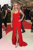Maria Sharapova, Caroline Wozniacki look ravishing in red at Met Gala