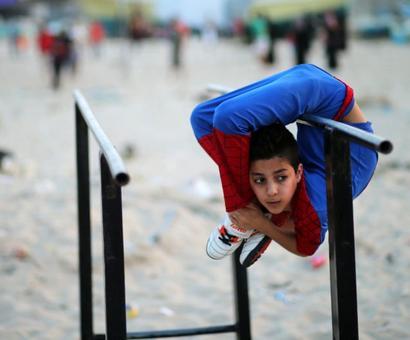 Meet Gaza's Spiderman!