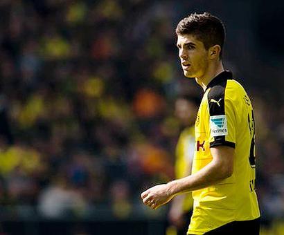 Bundesliga: Teenager Pulisic puts Dortmund close on heels of Bayern
