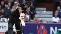 Leicestershire squeeze into quarters after Delport century