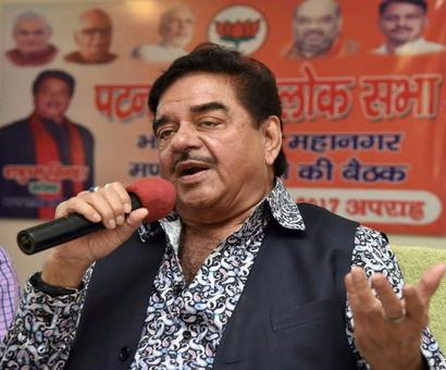 Amid meme row, Shatrughan Sinha takes dig at 'chaiwalla' PM Modi