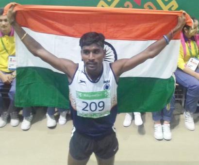 Chitra, Lakshmanan strike gold at Asian Indoor