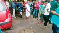 3 workers suffocate to death while cleaning Lajpat Nagar sewer