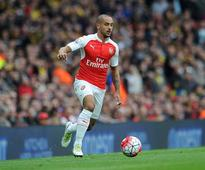 Theo Walcott could join Manchester United fears Arsenal legend