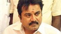 Sarath Kumar back in AIADMK camp
