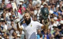 Du Plessis leads tributes to Amla's century stand