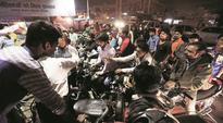 Across cities, rush to get rid of Rs 500, Rs 1,000 notes