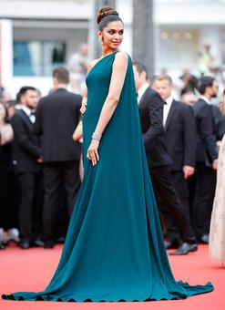 Is Deepika the best fashionista in a cape at Cannes?