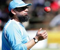 Saqlain to continue as Englands spin consultant in ODI series