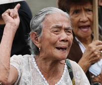 Aging Filipino 'comfort women' protest Japanese PM's visit