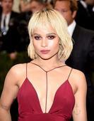 Zoe Kravitz's Trendsetting Blond Bob