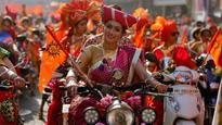 Gudi Padwa 2017: Traditional attire, drums and rangoli paint a colourful picture this Marathi New Year!