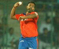 IPL: How Praveen Kumar Choked Delhi Daredevils to Defeat