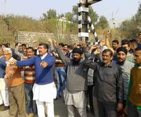 People demand flyover over railway crossing