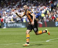 Hull City stuns Leicester City in Premier League opener