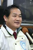 Govt-backed Sakima wins key Ginowan mayoral election