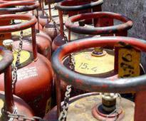 Prices of non-subsided LPG cylinder cut by Rs 35.50