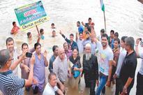 Court complex construction at Pipliyahana lake: Jal Satyagrah organised