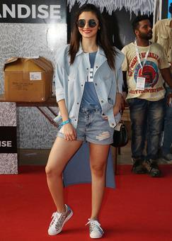 PIX: Alia Bhatt, Arjun Rampal cheer for Justin Bieber