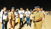 Youth offer tea to on duty cops on 31st