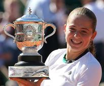 Ostapenko stuns Halep to win French Open