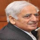 Modi pays tributes to Mufti Sayeed at Palam Airport