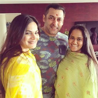 PIX: Salman celebrates Raksha Bandhan with sisters