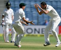 Fractured foot rules Starc out of India Test series