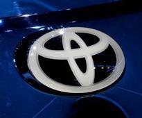 Toyota recalls 838,000 Sienna minivans to fix sliding door issue
