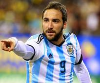 Higuain is an ingrate  Napoli's owner