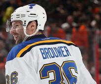 Brouwer mulling signing with Canucks in free agency