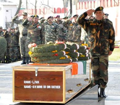 Army Chief Bipin Rawat calls for united efforts to tackle stone-pelting problem