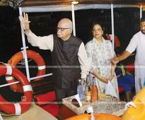 Advani made to wait in Alleppey during CPM's protest march