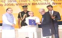 SEE PIC: Sanjay Leela Bhansali receives National award for Bajirao Mastani from Pranab Mukherjee