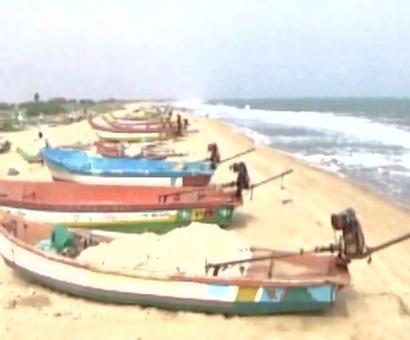 Cyclone Vardah weakens, to hit TN coast tomorrow