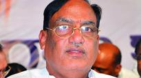 Jolt to Telangana Congress and CPI: MP, 2 MLAs join TRS