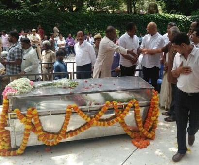 Gauri Lankesh murder: Karnataka CM pays his respects