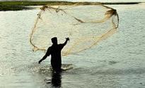 Pakistan arrests 10 Indian fishermen