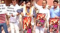Hindu Sena has no love for 'Ae Dil Hai Mushkil', raises slogans against film