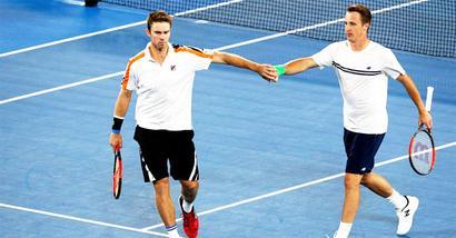 Aus Open: Kontinen-Peers stun Bryan twins to lift men's doubles title