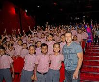 Check out Salman Khan attends Sultans special screening with 1200 kids