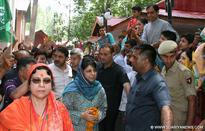 CM visits Kheer Bhawani, offers personal felicitations to devotees