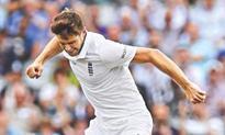 England opt to bat