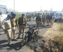 Bootlegger leads attack on police in Dahod, two hurt