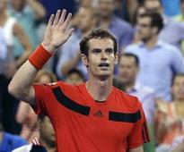 Murray roars into French Open quarters