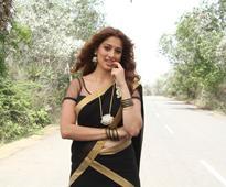 Raai Laxmi to do special number in Chiranjeevi's Khaidi No 150